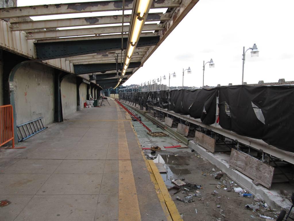 (108k, 1024x768)<br><b>Country:</b> United States<br><b>City:</b> New York<br><b>System:</b> New York City Transit<br><b>Line:</b> IND Crosstown Line<br><b>Location:</b> Smith/9th Street <br><b>Photo by:</b> Robbie Rosenfeld<br><b>Date:</b> 6/14/2011<br><b>Notes:</b> Reconstruction.<br><b>Viewed (this week/total):</b> 0 / 1457