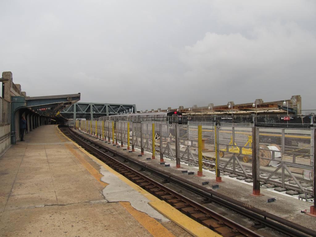 (105k, 1024x768)<br><b>Country:</b> United States<br><b>City:</b> New York<br><b>System:</b> New York City Transit<br><b>Line:</b> IND Crosstown Line<br><b>Location:</b> Smith/9th Street <br><b>Photo by:</b> Robbie Rosenfeld<br><b>Date:</b> 6/14/2011<br><b>Notes:</b> Reconstruction.<br><b>Viewed (this week/total):</b> 0 / 755