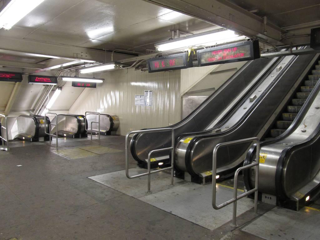 (105k, 1024x768)<br><b>Country:</b> United States<br><b>City:</b> New York<br><b>System:</b> New York City Transit<br><b>Line:</b> IND Crosstown Line<br><b>Location:</b> Smith/9th Street <br><b>Photo by:</b> Robbie Rosenfeld<br><b>Date:</b> 6/14/2011<br><b>Notes:</b> Escalators.<br><b>Viewed (this week/total):</b> 2 / 1339