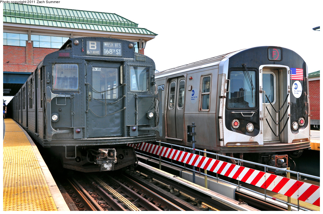 (441k, 1044x694)<br><b>Country:</b> United States<br><b>City:</b> New York<br><b>System:</b> New York City Transit<br><b>Location:</b> Coney Island/Stillwell Avenue<br><b>Route:</b> Transit Museum Nostalgia Train<br><b>Car:</b> R-1 (American Car & Foundry, 1930-1931) 381 <br><b>Photo by:</b> Zach Summer<br><b>Date:</b> 7/23/2011<br><b>Notes:</b> With R160A 9252 on the F<br><b>Viewed (this week/total):</b> 8 / 1297
