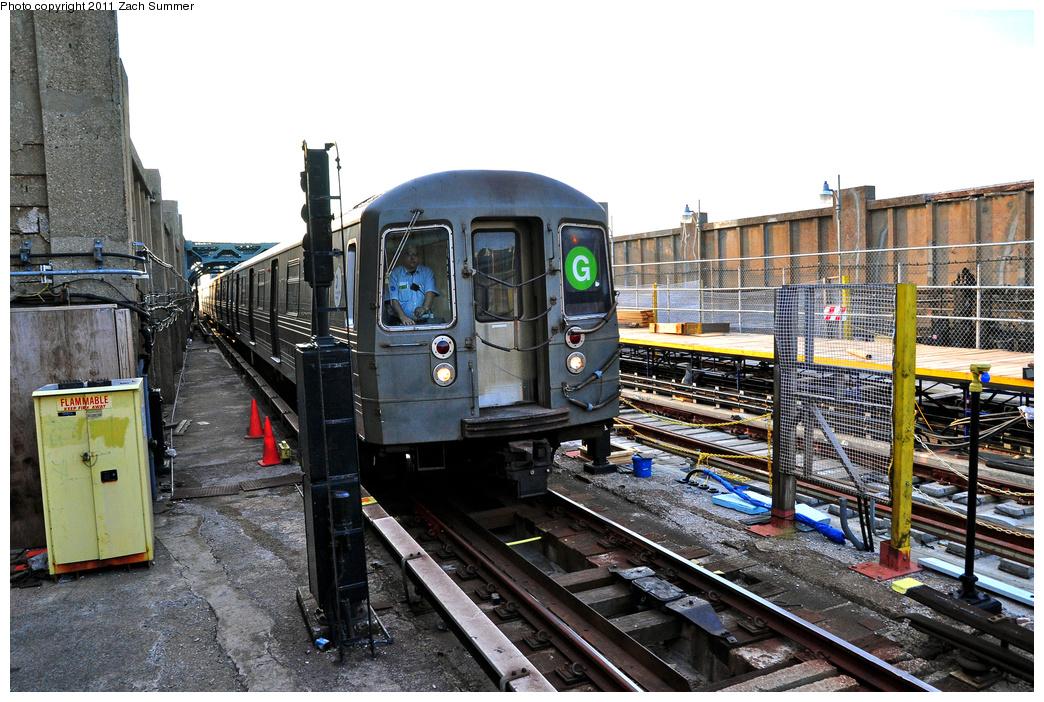 (424k, 1044x702)<br><b>Country:</b> United States<br><b>City:</b> New York<br><b>System:</b> New York City Transit<br><b>Line:</b> IND Crosstown Line<br><b>Location:</b> 4th Avenue<br><b>Route:</b> G<br><b>Car:</b> R-68 (Westinghouse-Amrail, 1986-1988) 2880 <br><b>Photo by:</b> Zach Summer<br><b>Date:</b> 7/23/2011<br><b>Viewed (this week/total):</b> 0 / 1946