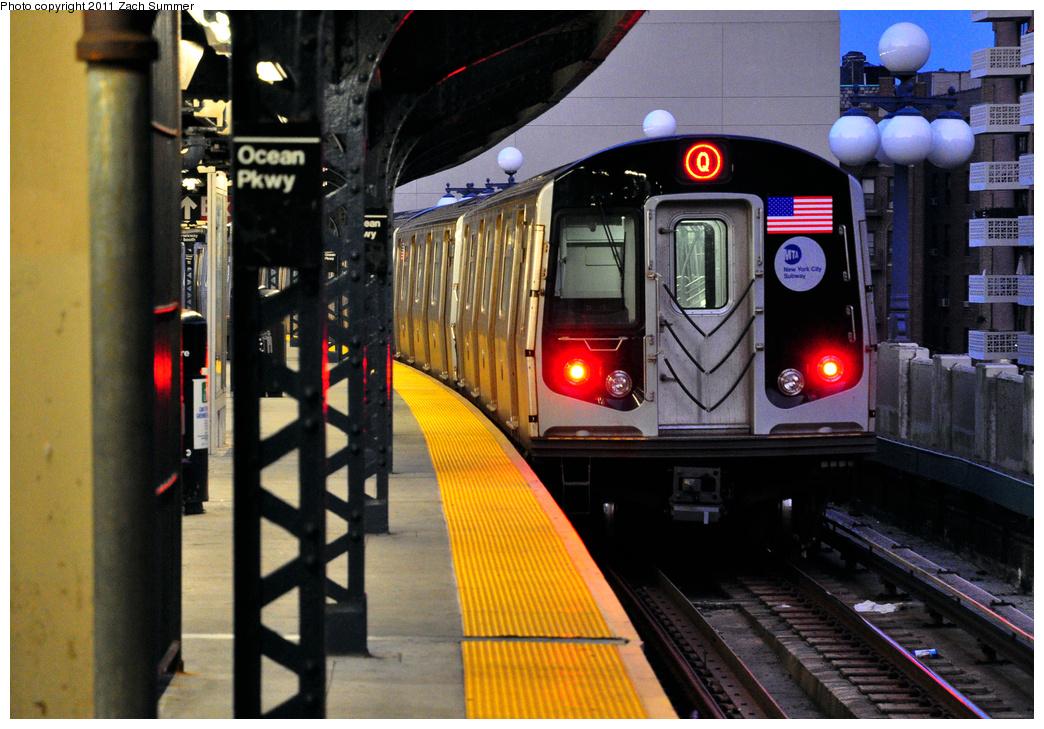 (426k, 1044x729)<br><b>Country:</b> United States<br><b>City:</b> New York<br><b>System:</b> New York City Transit<br><b>Line:</b> BMT Brighton Line<br><b>Location:</b> Ocean Parkway<br><b>Route:</b> Q<br><b>Car:</b> R-160B (Option 1) (Kawasaki, 2008-2009) 9137 <br><b>Photo by:</b> Zach Summer<br><b>Date:</b> 7/23/2011<br><b>Viewed (this week/total):</b> 0 / 1370
