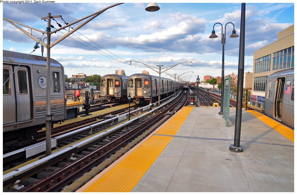 (421k, 1044x687)<br><b>Country:</b> United States<br><b>City:</b> New York<br><b>System:</b> New York City Transit<br><b>Line:</b> BMT Brighton Line<br><b>Location:</b> Ocean Parkway <br><b>Car:</b> R-68A (Kawasaki, 1988-1989)   <br><b>Photo by:</b> Zach Summer<br><b>Date:</b> 7/27/2011<br><b>Notes:</b> L to R, R68 2826 B Yard Move, R68A B Layup, R68A 5172 B Yard Move, 2 more R68A B Layups, R160B 8987 Q<br><b>Viewed (this week/total):</b> 0 / 1188