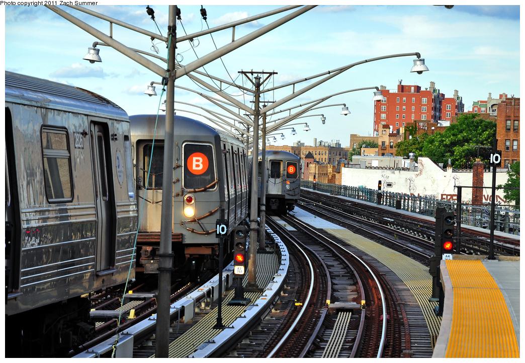(473k, 1044x721)<br><b>Country:</b> United States<br><b>City:</b> New York<br><b>System:</b> New York City Transit<br><b>Line:</b> BMT Brighton Line<br><b>Location:</b> Ocean Parkway <br><b>Route:</b> B Yard Move<br><b>Car:</b> R-68 (Westinghouse-Amrail, 1986-1988)  2826 <br><b>Photo by:</b> Zach Summer<br><b>Date:</b> 7/27/2011<br><b>Notes:</b> B yard move, R68A 5172 B Yard Move, R68A B Layup<br><b>Viewed (this week/total):</b> 0 / 1227