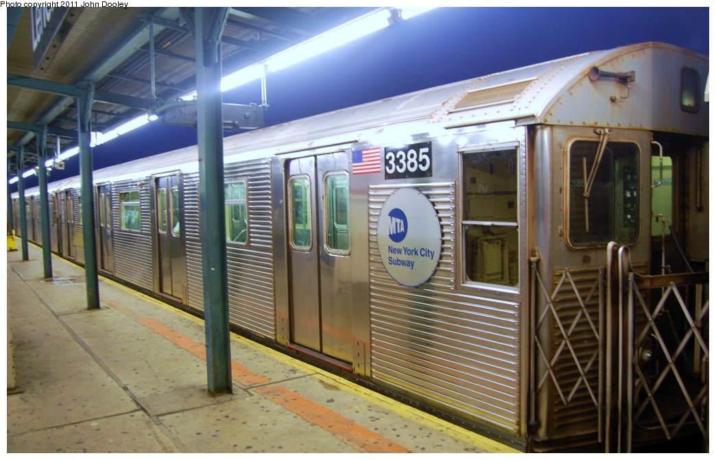(297k, 1044x671)<br><b>Country:</b> United States<br><b>City:</b> New York<br><b>System:</b> New York City Transit<br><b>Line:</b> IND Fulton Street Line<br><b>Location:</b> Lefferts Boulevard <br><b>Route:</b> A<br><b>Car:</b> R-32 (Budd, 1964)  3385 <br><b>Photo by:</b> John Dooley<br><b>Date:</b> 7/29/2011<br><b>Viewed (this week/total):</b> 0 / 703