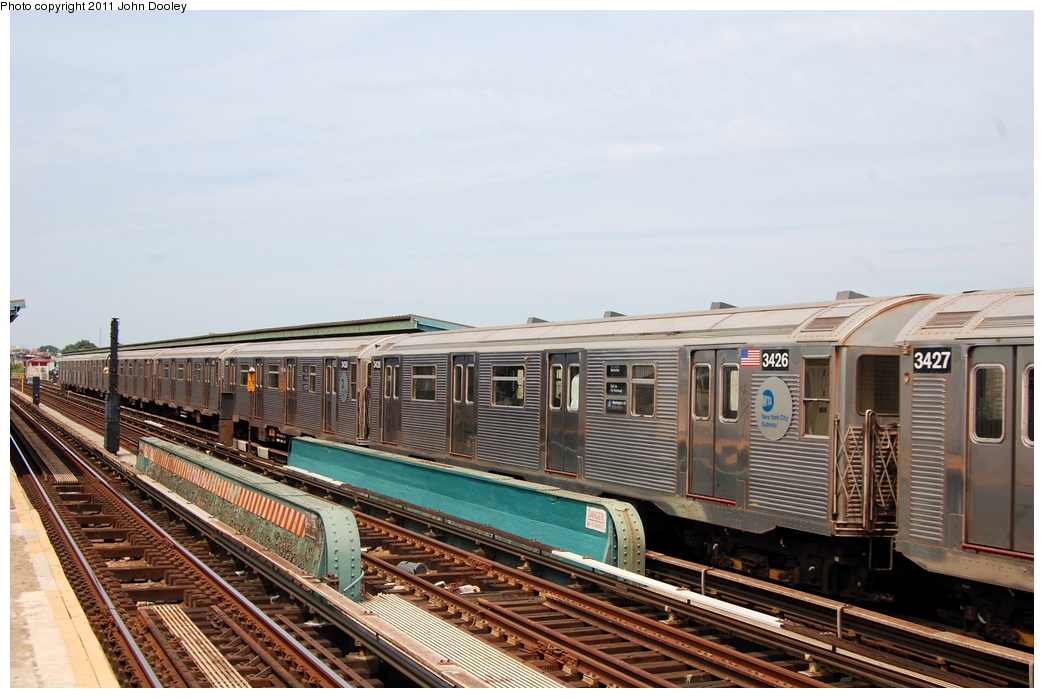 (293k, 1044x698)<br><b>Country:</b> United States<br><b>City:</b> New York<br><b>System:</b> New York City Transit<br><b>Line:</b> IND Fulton Street Line<br><b>Location:</b> 80th Street/Hudson Street <br><b>Route:</b> A<br><b>Car:</b> R-32 (Budd, 1964)  3426 <br><b>Photo by:</b> John Dooley<br><b>Date:</b> 7/23/2011<br><b>Viewed (this week/total):</b> 1 / 667