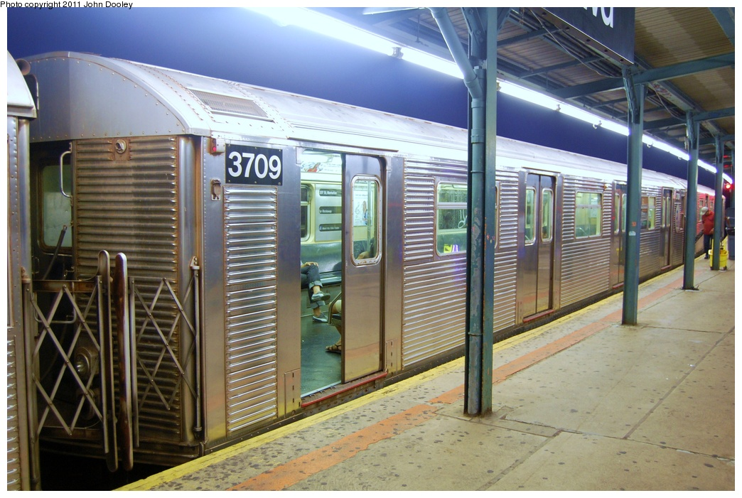 (331k, 1044x701)<br><b>Country:</b> United States<br><b>City:</b> New York<br><b>System:</b> New York City Transit<br><b>Line:</b> IND Fulton Street Line<br><b>Location:</b> Lefferts Boulevard <br><b>Route:</b> A<br><b>Car:</b> R-32 (Budd, 1964)  3709 <br><b>Photo by:</b> John Dooley<br><b>Date:</b> 7/29/2011<br><b>Viewed (this week/total):</b> 0 / 631