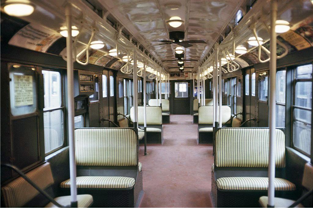 (286k, 1024x681)<br><b>Country:</b> United States<br><b>City:</b> New York<br><b>System:</b> New York City Transit<br><b>Car:</b> R-4 (American Car & Foundry, 1932-1933) 484 <br><b>Photo by:</b> Doug Grotjahn<br><b>Collection of:</b> Joe Testagrose<br><b>Date:</b> 9/26/1971<br><b>Viewed (this week/total):</b> 0 / 723