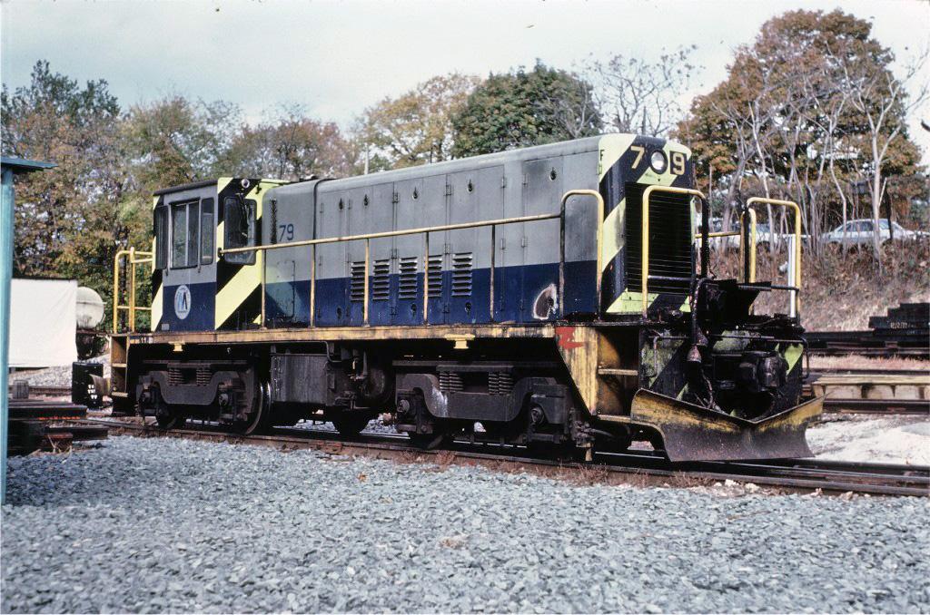 (352k, 1024x678)<br><b>Country:</b> United States<br><b>City:</b> New York<br><b>System:</b> New York City Transit<br><b>Line:</b> South Brooklyn Railway<br><b>Location:</b> SBK Yard (2nd Ave at 38th St.) (SBK)<br><b>Route:</b> Work Service<br><b>Car:</b> R-52 Locomotive  79 <br><b>Collection of:</b> Joe Testagrose<br><b>Date:</b> 11/1/1980<br><b>Viewed (this week/total):</b> 6 / 898