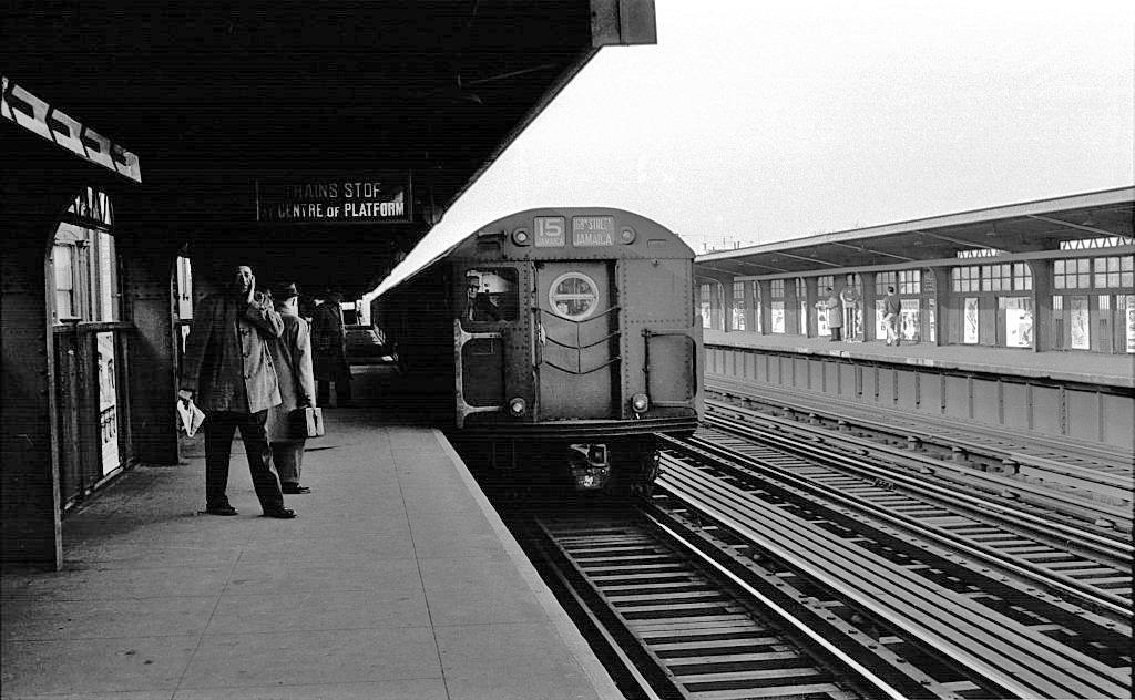 (217k, 1024x632)<br><b>Country:</b> United States<br><b>City:</b> New York<br><b>System:</b> New York City Transit<br><b>Line:</b> BMT Nassau Street/Jamaica Line<br><b>Location:</b> Halsey Street <br><b>Route:</b> BMT 15<br><b>Car:</b> R-16 (American Car & Foundry, 1955)  <br><b>Collection of:</b> John Barnes<br><b>Viewed (this week/total):</b> 3 / 1559