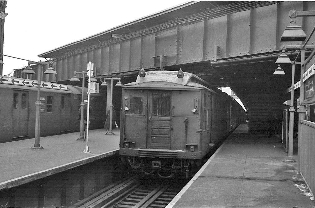 (206k, 1024x677)<br><b>Country:</b> United States<br><b>City:</b> New York<br><b>System:</b> New York City Transit<br><b>Line:</b> BMT Nassau Street/Jamaica Line<br><b>Location:</b> Myrtle Avenue <br><b>Car:</b> BMT Q  <br><b>Collection of:</b> John Barnes<br><b>Viewed (this week/total):</b> 6 / 1360