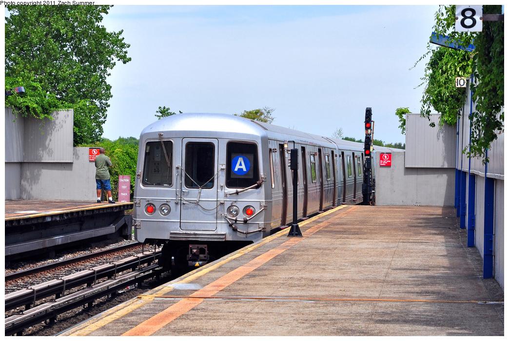 (447k, 1044x699)<br><b>Country:</b> United States<br><b>City:</b> New York<br><b>System:</b> New York City Transit<br><b>Line:</b> IND Rockaway<br><b>Location:</b> Broad Channel <br><b>Route:</b> A<br><b>Car:</b> R-46 (Pullman-Standard, 1974-75) 5836 <br><b>Photo by:</b> Zach Summer<br><b>Date:</b> 7/28/2011<br><b>Viewed (this week/total):</b> 2 / 934