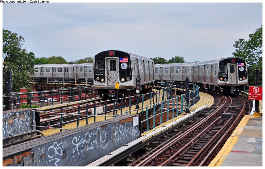 (414k, 1044x665)<br><b>Country:</b> United States<br><b>City:</b> New York<br><b>System:</b> New York City Transit<br><b>Line:</b> BMT Nassau Street/Jamaica Line<br><b>Location:</b> Cypress Hills <br><b>Route:</b> J<br><b>Car:</b> R-160A-1 (Alstom, 2005-2008, 4 car sets)  8509/8561 <br><b>Photo by:</b> Zach Summer<br><b>Date:</b> 7/28/2011<br><b>Viewed (this week/total):</b> 0 / 1168