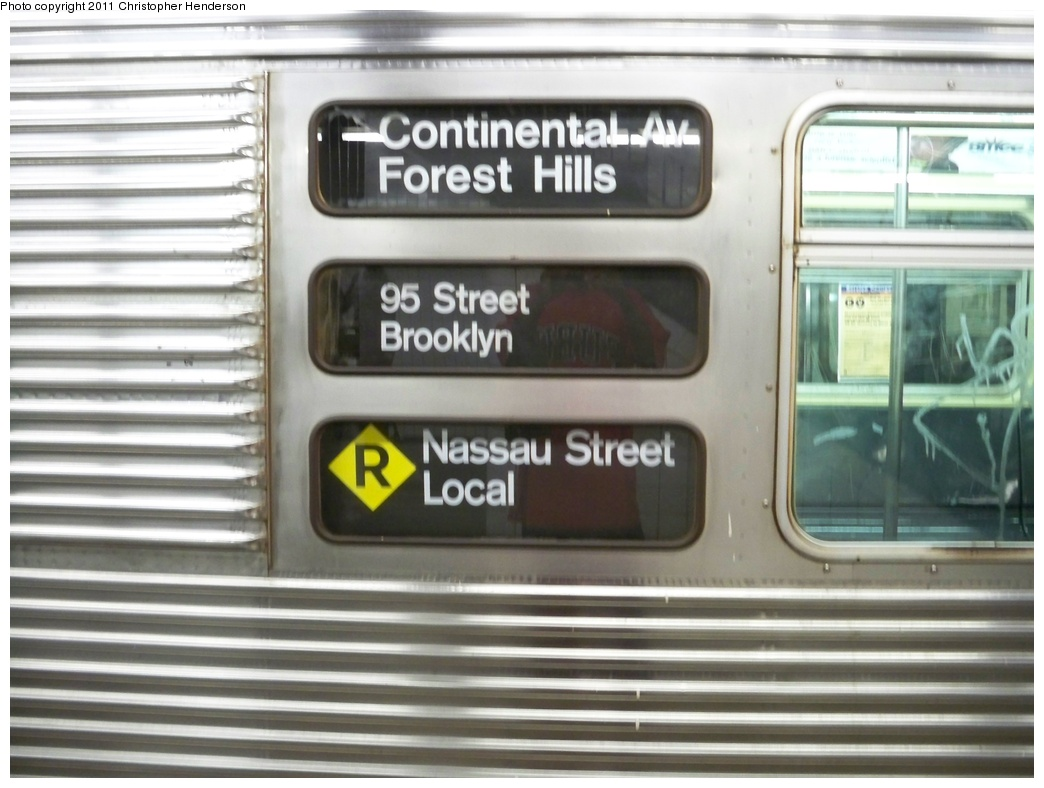 (248k, 1044x788)<br><b>Country:</b> United States<br><b>City:</b> New York<br><b>System:</b> New York City Transit<br><b>Line:</b> IND Queens Boulevard Line<br><b>Location:</b> 71st/Continental Aves./Forest Hills <br><b>Route:</b> R<br><b>Car:</b> R-32 (Budd, 1964)  3511 <br><b>Photo by:</b> Christopher Henderson<br><b>Date:</b> 8/22/2009<br><b>Notes:</b> Note Nassau St Local diamond R rollsign<br><b>Viewed (this week/total):</b> 5 / 1555
