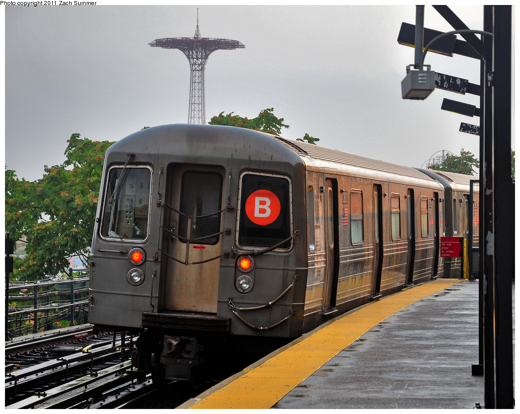 (425k, 1044x830)<br><b>Country:</b> United States<br><b>City:</b> New York<br><b>System:</b> New York City Transit<br><b>Line:</b> BMT Brighton Line<br><b>Location:</b> West 8th Street <br><b>Route:</b> B Yard Move<br><b>Car:</b> R-68 (Westinghouse-Amrail, 1986-1988)  2812 <br><b>Photo by:</b> Zach Summer<br><b>Date:</b> 7/29/2011<br><b>Viewed (this week/total):</b> 3 / 1096