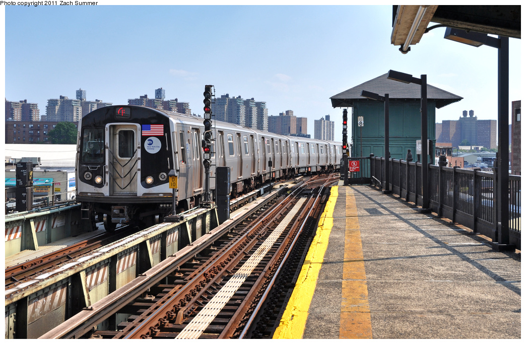 (424k, 1044x683)<br><b>Country:</b> United States<br><b>City:</b> New York<br><b>System:</b> New York City Transit<br><b>Line:</b> BMT Culver Line<br><b>Location:</b> Avenue X <br><b>Route:</b> F Put-In<br><b>Car:</b> R-160A (Option 1) (Alstom, 2008-2009, 5 car sets)  9243 <br><b>Photo by:</b> Zach Summer<br><b>Date:</b> 8/2/2011<br><b>Viewed (this week/total):</b> 5 / 759