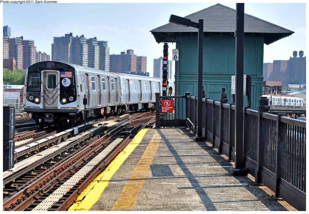 (488k, 1044x724)<br><b>Country:</b> United States<br><b>City:</b> New York<br><b>System:</b> New York City Transit<br><b>Line:</b> BMT Culver Line<br><b>Location:</b> Avenue X <br><b>Route:</b> F Put-In<br><b>Car:</b> R-160A (Option 1) (Alstom, 2008-2009, 5 car sets)  9317 <br><b>Photo by:</b> Zach Summer<br><b>Date:</b> 8/2/2011<br><b>Viewed (this week/total):</b> 2 / 777