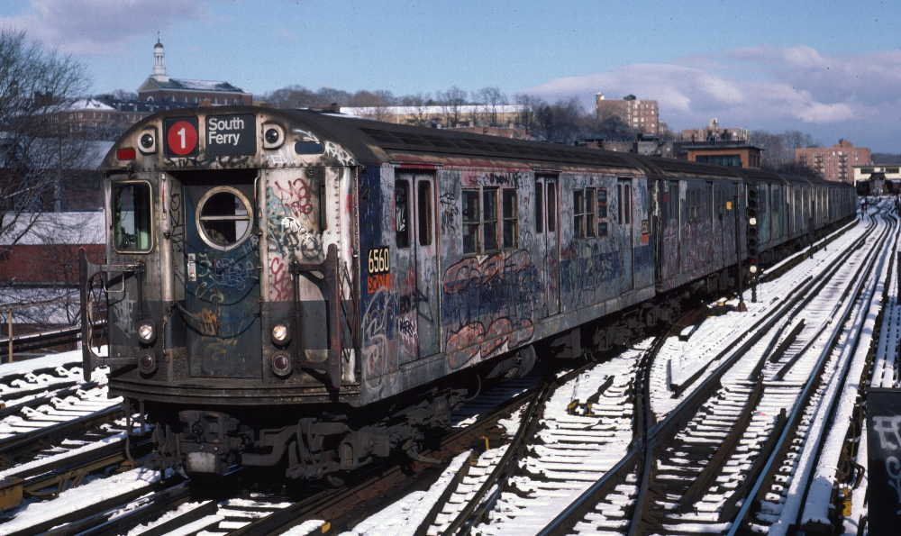 (85k, 1000x595)<br><b>Country:</b> United States<br><b>City:</b> New York<br><b>System:</b> New York City Transit<br><b>Line:</b> IRT West Side Line<br><b>Location:</b> 238th Street <br><b>Route:</b> 1<br><b>Car:</b> R-17 (St. Louis, 1955-56) 6560 <br><b>Photo by:</b> Robert Callahan<br><b>Date:</b> 1/5/1985<br><b>Viewed (this week/total):</b> 5 / 1413