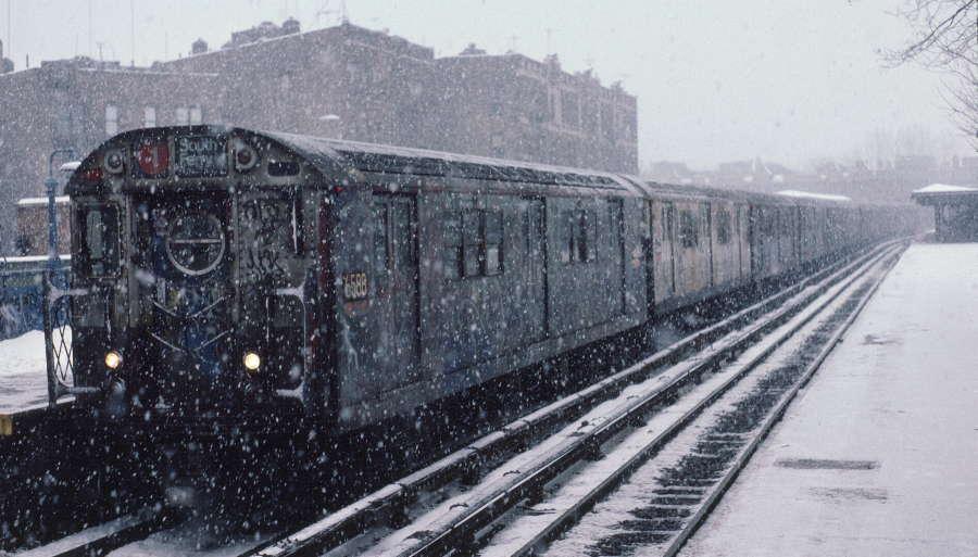 (66k, 900x513)<br><b>Country:</b> United States<br><b>City:</b> New York<br><b>System:</b> New York City Transit<br><b>Line:</b> IRT West Side Line<br><b>Location:</b> Dyckman Street <br><b>Route:</b> 1<br><b>Car:</b> R-17 (St. Louis, 1955-56) 6588 <br><b>Photo by:</b> Robert Callahan<br><b>Date:</b> 1/19/1985<br><b>Viewed (this week/total):</b> 0 / 1196