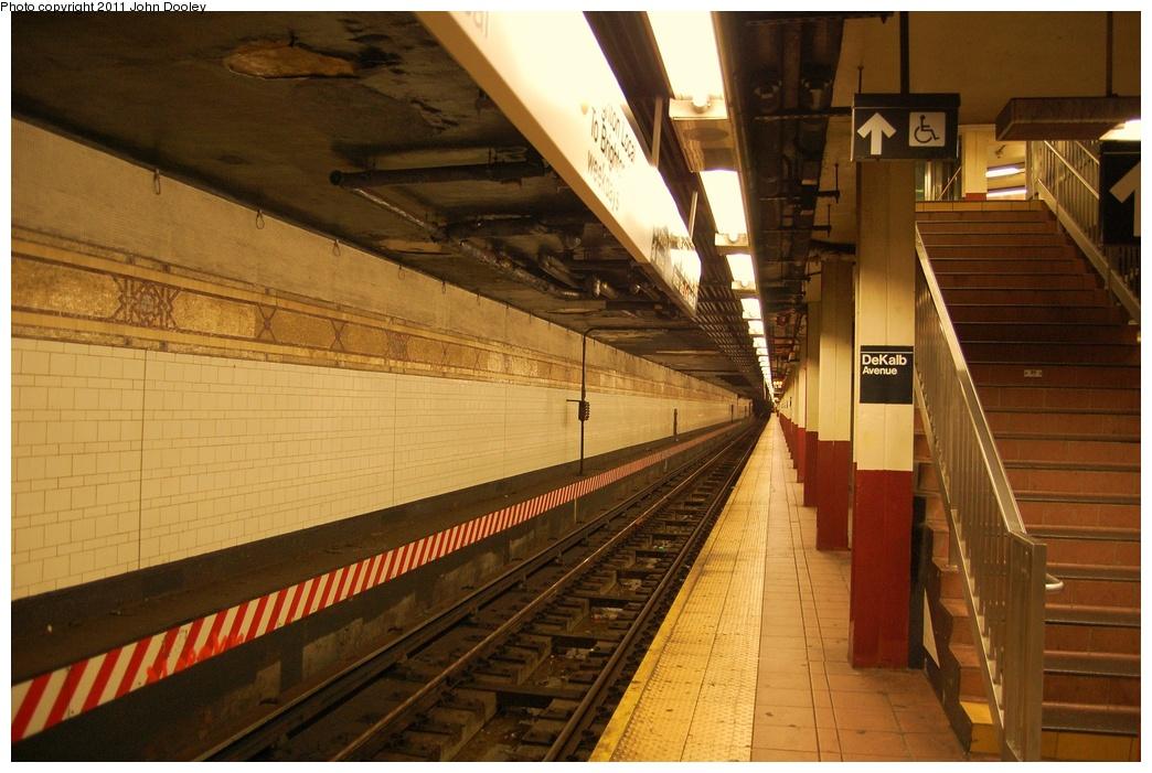 (322k, 1044x701)<br><b>Country:</b> United States<br><b>City:</b> New York<br><b>System:</b> New York City Transit<br><b>Location:</b> DeKalb Avenue<br><b>Photo by:</b> John Dooley<br><b>Date:</b> 7/11/2011<br><b>Viewed (this week/total):</b> 0 / 1042