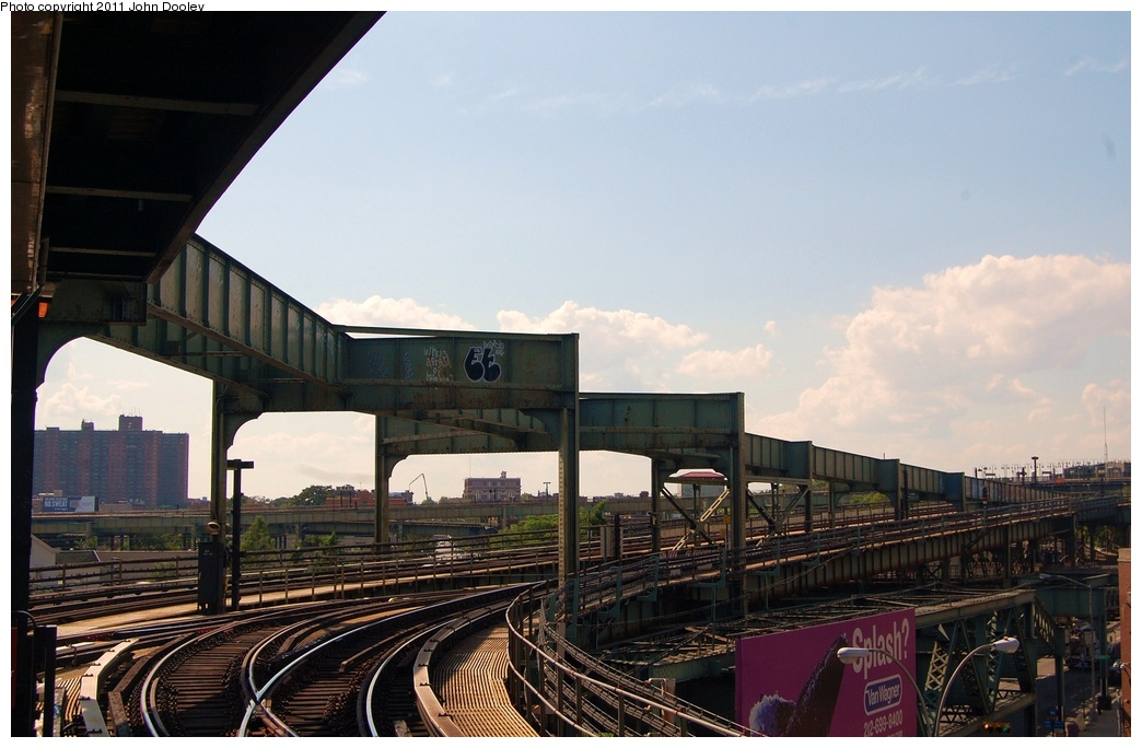 (280k, 1044x684)<br><b>Country:</b> United States<br><b>City:</b> New York<br><b>System:</b> New York City Transit<br><b>Line:</b> BMT Nassau Street/Jamaica Line<br><b>Location:</b> Alabama Avenue <br><b>Photo by:</b> John Dooley<br><b>Date:</b> 8/17/2011<br><b>Viewed (this week/total):</b> 0 / 1091