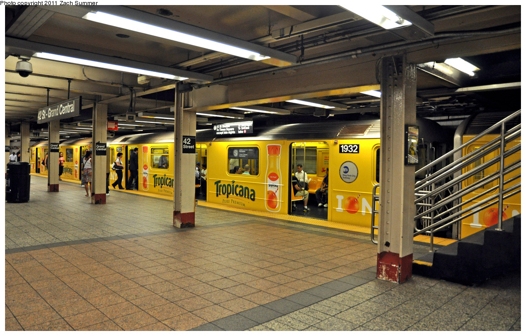 (424k, 1044x667)<br><b>Country:</b> United States<br><b>City:</b> New York<br><b>System:</b> New York City Transit<br><b>Line:</b> IRT Times Square-Grand Central Shuttle<br><b>Location:</b> Grand Central <br><b>Route:</b> S<br><b>Car:</b> R-62A (Bombardier, 1984-1987)  1932 <br><b>Photo by:</b> Zach Summer<br><b>Date:</b> 8/3/2011<br><b>Viewed (this week/total):</b> 0 / 846