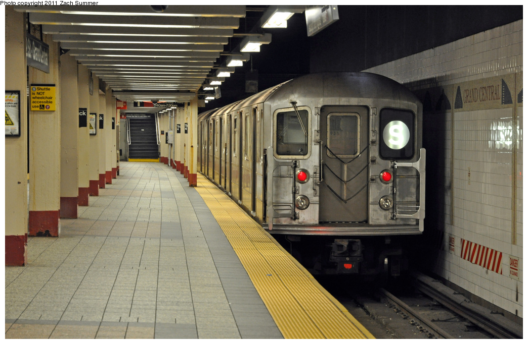 (330k, 1044x682)<br><b>Country:</b> United States<br><b>City:</b> New York<br><b>System:</b> New York City Transit<br><b>Line:</b> IRT Times Square-Grand Central Shuttle<br><b>Location:</b> Grand Central <br><b>Route:</b> S<br><b>Car:</b> R-62A (Bombardier, 1984-1987)  1935 <br><b>Photo by:</b> Zach Summer<br><b>Date:</b> 8/3/2011<br><b>Viewed (this week/total):</b> 4 / 815