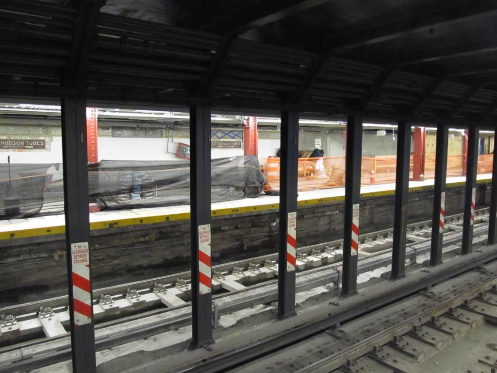 (111k, 1024x768)<br><b>Country:</b> United States<br><b>City:</b> New York<br><b>System:</b> New York City Transit<br><b>Line:</b> BMT Broadway Line<br><b>Location:</b> Cortlandt Street-World Trade Center <br><b>Photo by:</b> Robbie Rosenfeld<br><b>Date:</b> 7/21/2011<br><b>Viewed (this week/total):</b> 1 / 1214