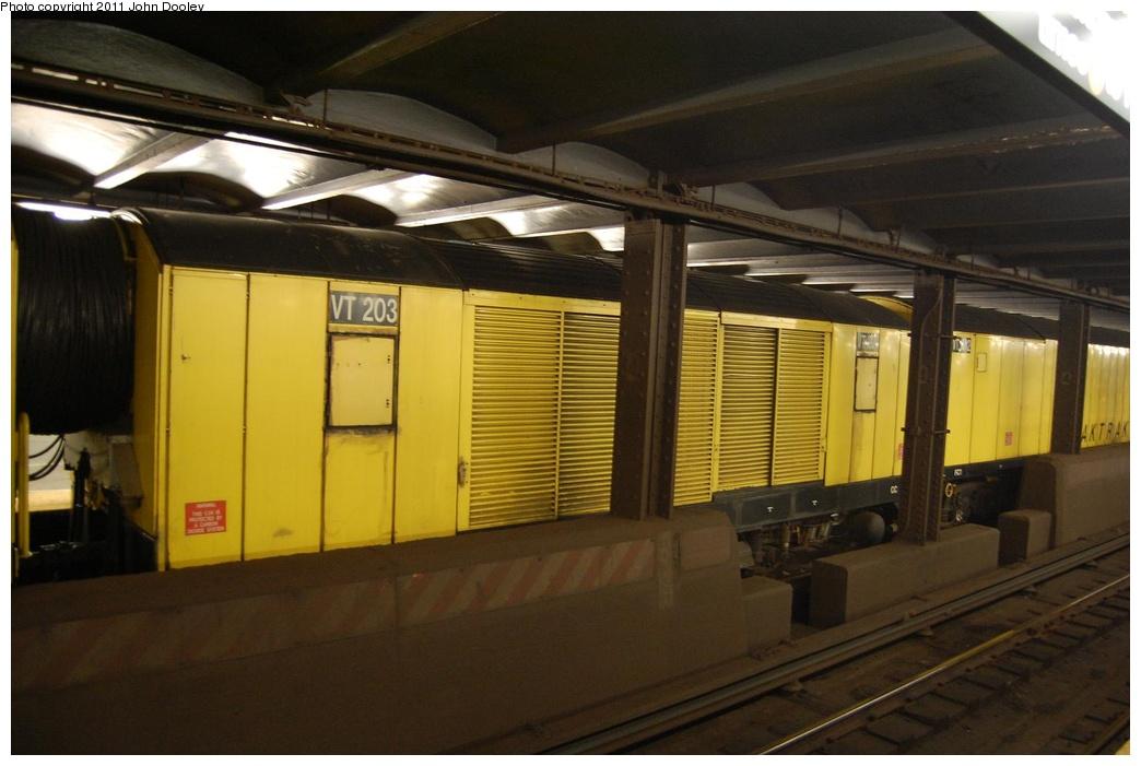 (247k, 1044x701)<br><b>Country:</b> United States<br><b>City:</b> New York<br><b>System:</b> New York City Transit<br><b>Line:</b> IND 6th Avenue Line<br><b>Location:</b> West 4th Street/Washington Square <br><b>Route:</b> Work Service<br><b>Car:</b> R-137 Vacuum Cleaning Train  VT203 <br><b>Photo by:</b> John Dooley<br><b>Date:</b> 7/1/2011<br><b>Viewed (this week/total):</b> 5 / 1400