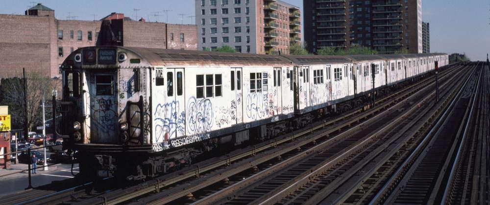 (68k, 1000x420)<br><b>Country:</b> United States<br><b>City:</b> New York<br><b>System:</b> New York City Transit<br><b>Line:</b> IRT White Plains Road Line<br><b>Location:</b> Pelham Parkway <br><b>Route:</b> 2<br><b>Car:</b> R-21 (St. Louis, 1956-57) 7173 <br><b>Photo by:</b> Robert Callahan<br><b>Date:</b> 4/1985<br><b>Viewed (this week/total):</b> 1 / 943