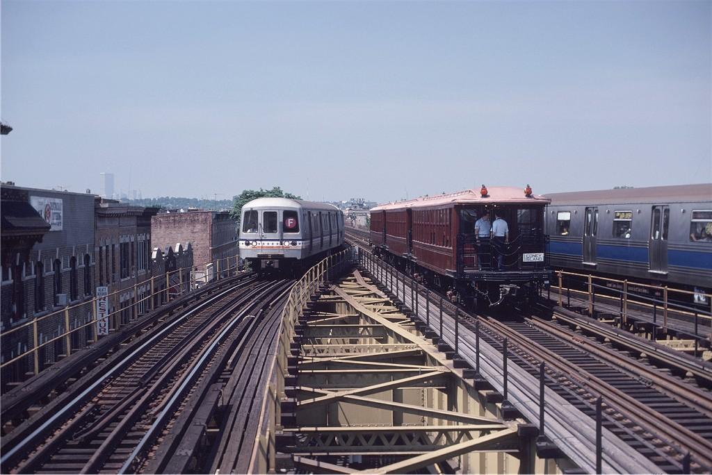 (197k, 1024x684)<br><b>Country:</b> United States<br><b>City:</b> New York<br><b>System:</b> New York City Transit<br><b>Line:</b> BMT Culver Line<br><b>Location:</b> 18th Avenue <br><b>Route:</b> Fan Trip<br><b>Car:</b> BMT Elevated Gate Car 1404-1273-1407 <br><b>Photo by:</b> Steve Zabel<br><b>Collection of:</b> Joe Testagrose<br><b>Date:</b> 7/4/1980<br><b>Viewed (this week/total):</b> 3 / 1132