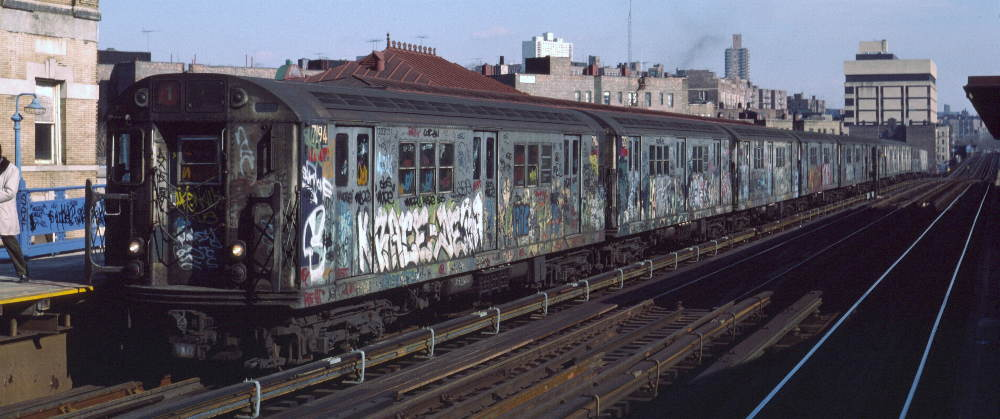(68k, 1000x419)<br><b>Country:</b> United States<br><b>City:</b> New York<br><b>System:</b> New York City Transit<br><b>Line:</b> IRT West Side Line<br><b>Location:</b> 207th Street <br><b>Route:</b> 1<br><b>Car:</b> R-21 (St. Louis, 1956-57) 7194 <br><b>Photo by:</b> Robert Callahan<br><b>Date:</b> 2/16/1985<br><b>Viewed (this week/total):</b> 2 / 946