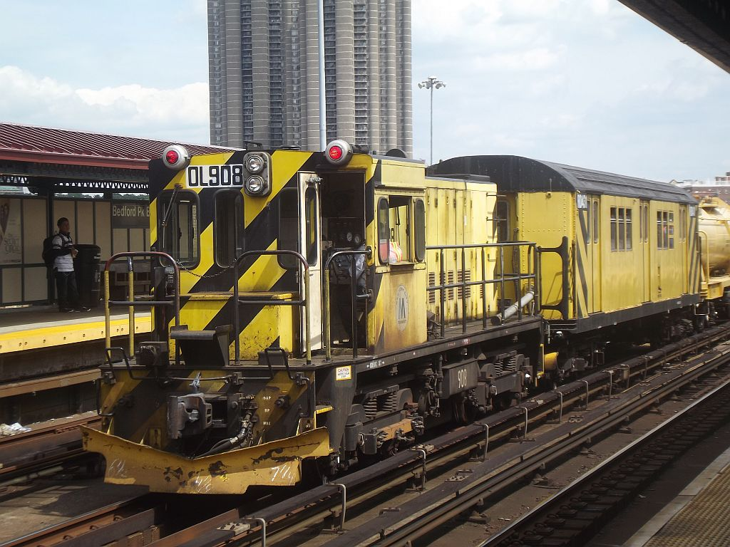 (199k, 1024x768)<br><b>Country:</b> United States<br><b>City:</b> New York<br><b>System:</b> New York City Transit<br><b>Line:</b> IRT Woodlawn Line<br><b>Location:</b> Bedford Park Boulevard <br><b>Route:</b> Work Service<br><b>Car:</b> R-120 Locomotive  908 <br><b>Photo by:</b> Alize Jarrett<br><b>Date:</b> 8/24/2011<br><b>Viewed (this week/total):</b> 3 / 900
