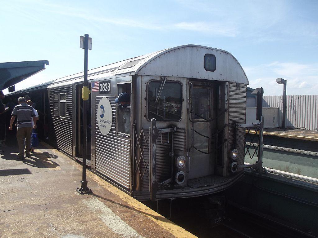 (167k, 1024x768)<br><b>Country:</b> United States<br><b>City:</b> New York<br><b>System:</b> New York City Transit<br><b>Line:</b> IND Fulton Street Line<br><b>Location:</b> Rockaway Boulevard <br><b>Route:</b> A<br><b>Car:</b> R-32 (Budd, 1964)  3828 <br><b>Photo by:</b> Alize Jarrett<br><b>Date:</b> 8/24/2011<br><b>Viewed (this week/total):</b> 1 / 614
