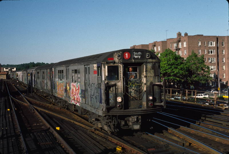 (67k, 800x541)<br><b>Country:</b> United States<br><b>City:</b> New York<br><b>System:</b> New York City Transit<br><b>Line:</b> IRT West Side Line<br><b>Location:</b> 238th Street <br><b>Route:</b> 1<br><b>Car:</b> R-22 (St. Louis, 1957-58) 7322 <br><b>Photo by:</b> Robert Callahan<br><b>Date:</b> 9/21/1984<br><b>Viewed (this week/total):</b> 0 / 941