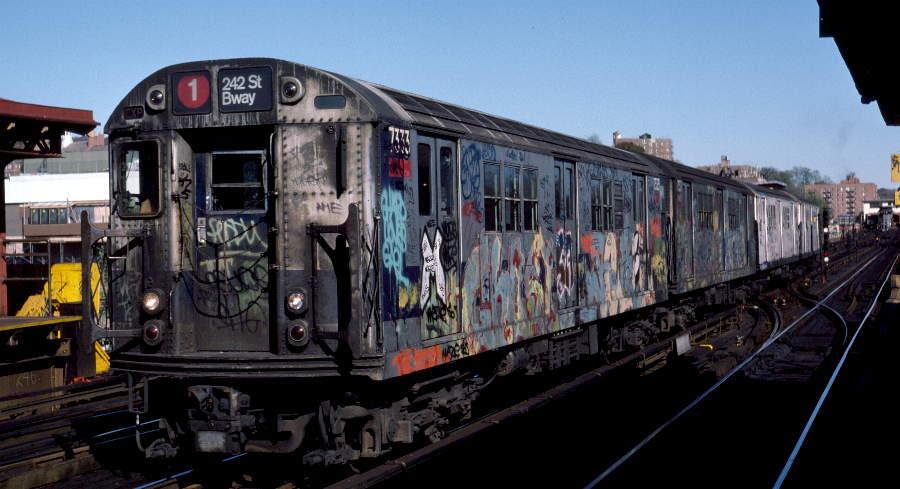 (65k, 900x489)<br><b>Country:</b> United States<br><b>City:</b> New York<br><b>System:</b> New York City Transit<br><b>Line:</b> IRT West Side Line<br><b>Location:</b> 238th Street <br><b>Route:</b> 1<br><b>Car:</b> R-22 (St. Louis, 1957-58) 7333 <br><b>Photo by:</b> Robert Callahan<br><b>Date:</b> 11/3/1984<br><b>Viewed (this week/total):</b> 0 / 1061