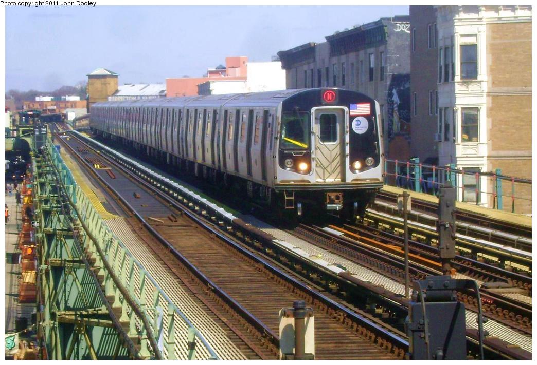 (404k, 1044x711)<br><b>Country:</b> United States<br><b>City:</b> New York<br><b>System:</b> New York City Transit<br><b>Line:</b> BMT West End Line<br><b>Location:</b> 55th Street <br><b>Route:</b> N reroute<br><b>Car:</b> R-160B (Option 1) (Kawasaki, 2008-2009)  9162 <br><b>Photo by:</b> John Dooley<br><b>Date:</b> 3/25/2011<br><b>Viewed (this week/total):</b> 4 / 1071