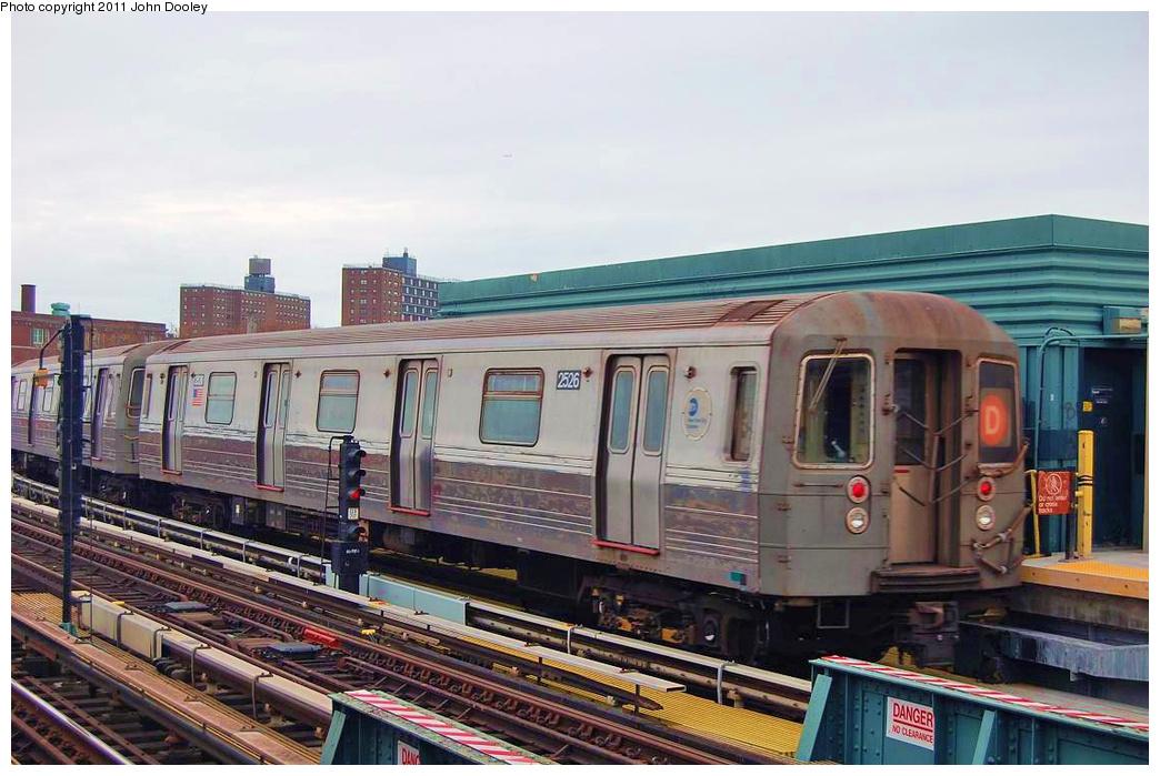 (334k, 1044x699)<br><b>Country:</b> United States<br><b>City:</b> New York<br><b>System:</b> New York City Transit<br><b>Line:</b> BMT West End Line<br><b>Location:</b> 25th Avenue <br><b>Route:</b> D<br><b>Car:</b> R-68 (Westinghouse-Amrail, 1986-1988)  2526 <br><b>Photo by:</b> John Dooley<br><b>Date:</b> 11/30/2010<br><b>Viewed (this week/total):</b> 2 / 787