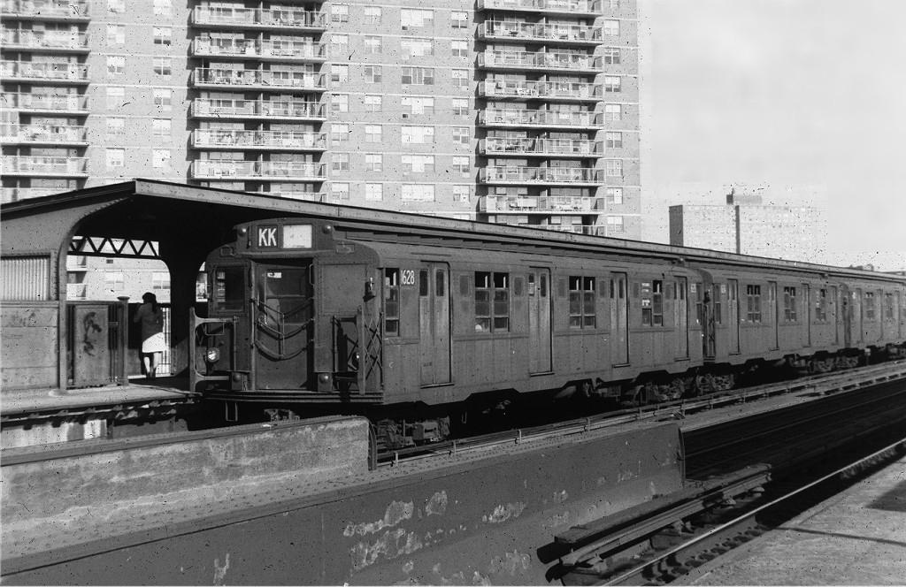 (218k, 1024x664)<br><b>Country:</b> United States<br><b>City:</b> New York<br><b>System:</b> New York City Transit<br><b>Line:</b> BMT Nassau Street/Jamaica Line<br><b>Location:</b> Lorimer Street <br><b>Route:</b> KK<br><b>Car:</b> R-9 (American Car & Foundry, 1940)  1628 <br><b>Photo by:</b> Joe Testagrose<br><b>Date:</b> 9/9/1969<br><b>Viewed (this week/total):</b> 0 / 915
