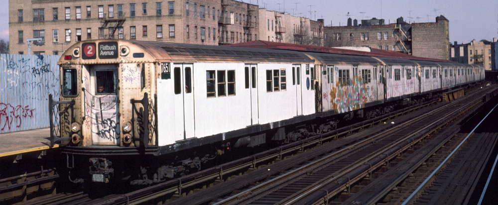 (66k, 1000x412)<br><b>Country:</b> United States<br><b>City:</b> New York<br><b>System:</b> New York City Transit<br><b>Line:</b> IRT White Plains Road Line<br><b>Location:</b> Bronx Park East <br><b>Route:</b> 2<br><b>Car:</b> R-22 (St. Louis, 1957-58) 7651 <br><b>Photo by:</b> Robert Callahan<br><b>Date:</b> 3/2/1985<br><b>Viewed (this week/total):</b> 0 / 919