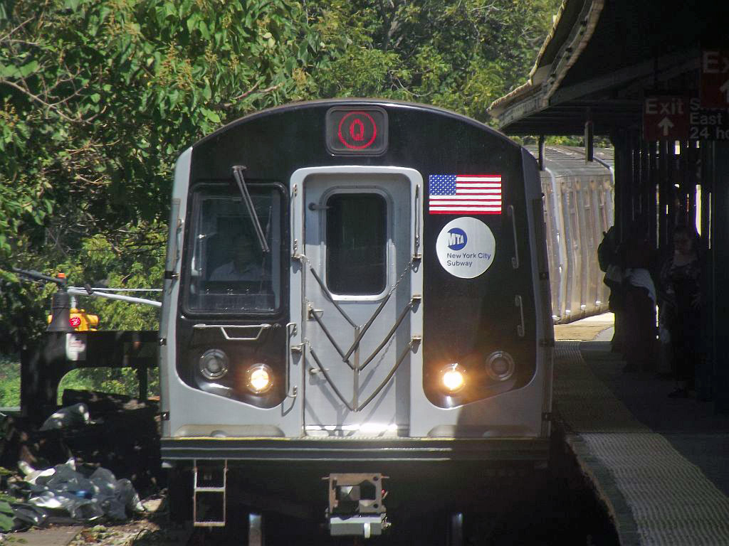 (262k, 1024x768)<br><b>Country:</b> United States<br><b>City:</b> New York<br><b>System:</b> New York City Transit<br><b>Line:</b> BMT Brighton Line<br><b>Location:</b> Sheepshead Bay <br><b>Route:</b> Q<br><b>Car:</b> R-160A/R-160B Series (Number Unknown)  <br><b>Photo by:</b> Alize Jarrett<br><b>Date:</b> 8/31/2011<br><b>Viewed (this week/total):</b> 0 / 926