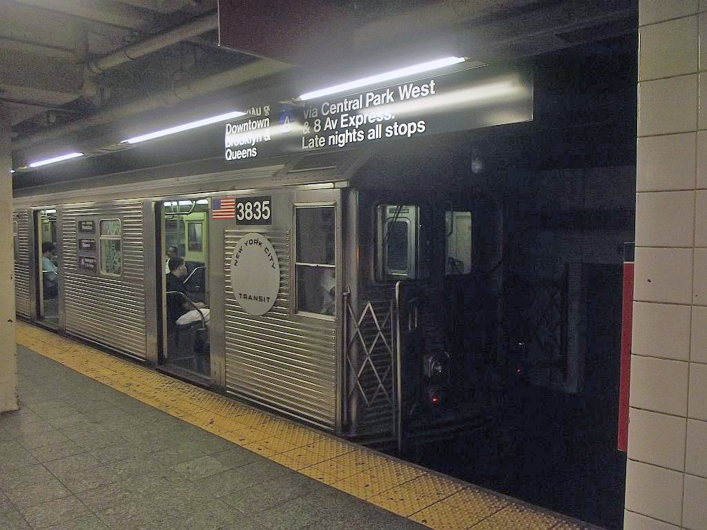 (249k, 1024x768)<br><b>Country:</b> United States<br><b>City:</b> New York<br><b>System:</b> New York City Transit<br><b>Line:</b> IND 8th Avenue Line<br><b>Location:</b> 207th Street <br><b>Route:</b> A<br><b>Car:</b> R-32 (Budd, 1964)  3835 <br><b>Photo by:</b> Alize Jarrett<br><b>Date:</b> 8/31/2011<br><b>Viewed (this week/total):</b> 7 / 1172