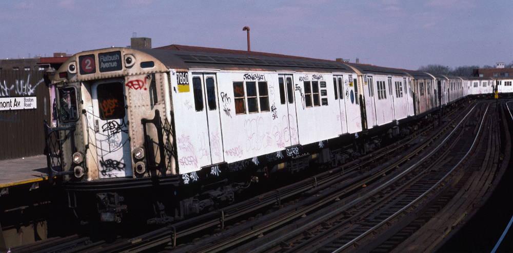 (71k, 1000x494)<br><b>Country:</b> United States<br><b>City:</b> New York<br><b>System:</b> New York City Transit<br><b>Line:</b> IRT White Plains Road Line<br><b>Location:</b> West Farms Sq./East Tremont Ave./177th St. <br><b>Route:</b> 2<br><b>Car:</b> R-28 (American Car & Foundry, 1960-61) 7860 <br><b>Photo by:</b> Robert Callahan<br><b>Date:</b> 3/10/1985<br><b>Viewed (this week/total):</b> 1 / 986