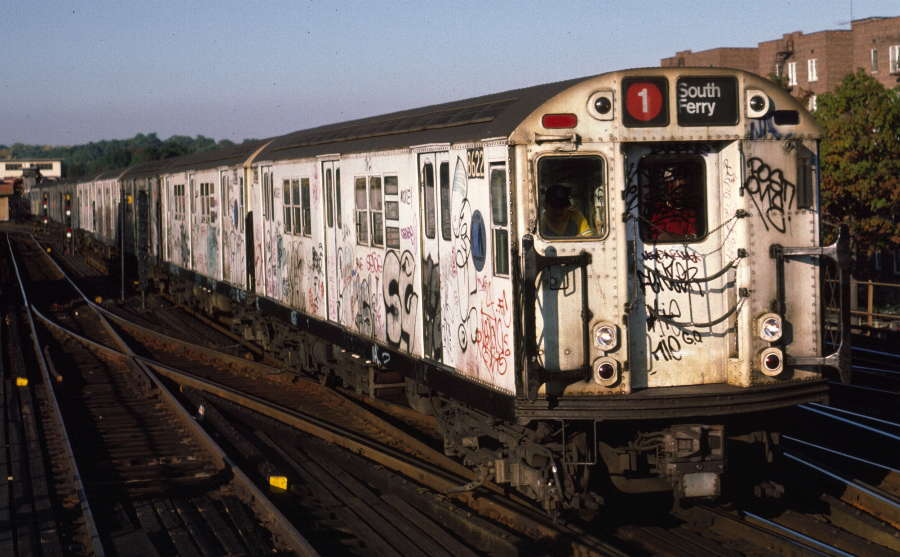 (69k, 900x557)<br><b>Country:</b> United States<br><b>City:</b> New York<br><b>System:</b> New York City Transit<br><b>Line:</b> IRT West Side Line<br><b>Location:</b> 238th Street <br><b>Route:</b> 1<br><b>Car:</b> R-29 (St. Louis, 1962) 8622 <br><b>Photo by:</b> Robert Callahan<br><b>Date:</b> 10/11/1984<br><b>Viewed (this week/total):</b> 0 / 1116