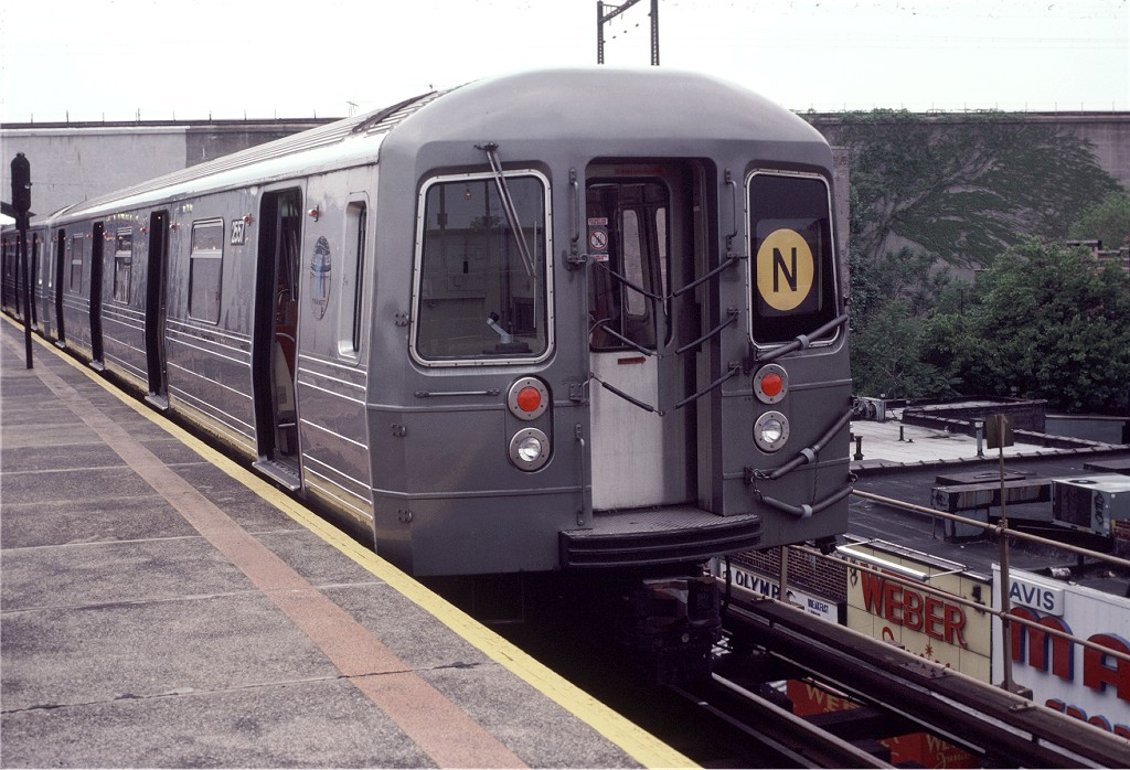(208k, 1024x698)<br><b>Country:</b> United States<br><b>City:</b> New York<br><b>System:</b> New York City Transit<br><b>Line:</b> BMT Astoria Line<br><b>Location:</b> Ditmars Boulevard <br><b>Route:</b> N<br><b>Car:</b> R-68 (Westinghouse-Amrail, 1986-1988)  2557 <br><b>Photo by:</b> Doug Grotjahn<br><b>Collection of:</b> Joe Testagrose<br><b>Viewed (this week/total):</b> 0 / 1710