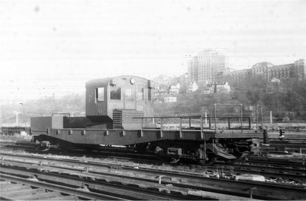 (196k, 1024x672)<br><b>Country:</b> United States<br><b>City:</b> New York<br><b>System:</b> New York City Transit<br><b>Location:</b> 207th Street Yard<br><b>Car:</b> R-3 Motor Flat Car (Drill Motor) (Magor Car, 1932)  41 <br><b>Collection of:</b> Joe Testagrose<br><b>Viewed (this week/total):</b> 0 / 672