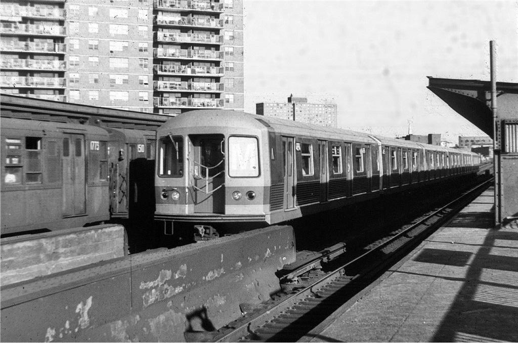 (241k, 1024x678)<br><b>Country:</b> United States<br><b>City:</b> New York<br><b>System:</b> New York City Transit<br><b>Line:</b> BMT Nassau Street/Jamaica Line<br><b>Location:</b> Lorimer Street <br><b>Route:</b> M<br><b>Car:</b> R-42 (St. Louis, 1969-1970)  4694 <br><b>Collection of:</b> Joe Testagrose<br><b>Date:</b> 9/2/1970<br><b>Viewed (this week/total):</b> 4 / 934