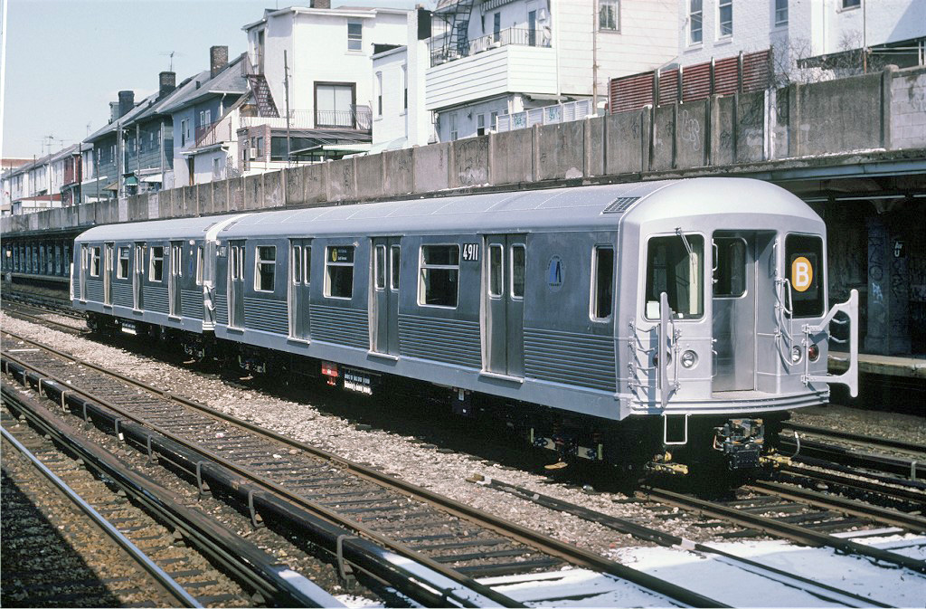 (359k, 1024x673)<br><b>Country:</b> United States<br><b>City:</b> New York<br><b>System:</b> New York City Transit<br><b>Line:</b> BMT Sea Beach Line<br><b>Location:</b> Avenue U <br><b>Car:</b> R-42 (St. Louis, 1969-1970)  4911 <br><b>Collection of:</b> Joe Testagrose<br><b>Date:</b> 3/1988<br><b>Viewed (this week/total):</b> 0 / 2596