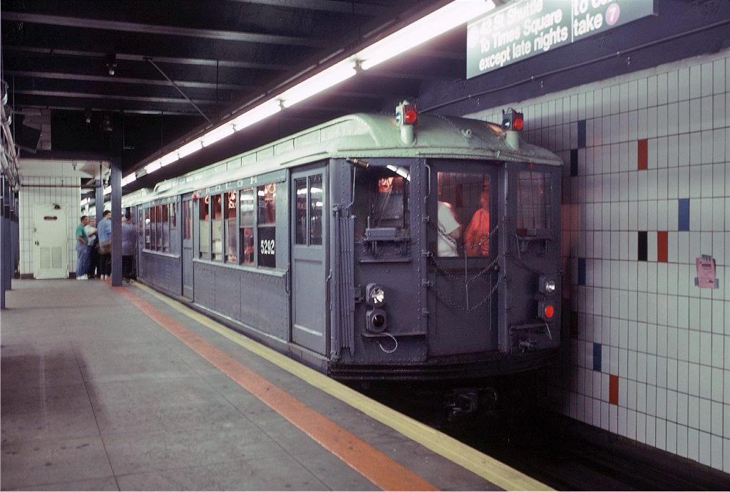 (244k, 1024x691)<br><b>Country:</b> United States<br><b>City:</b> New York<br><b>System:</b> New York City Transit<br><b>Line:</b> IRT Times Square-Grand Central Shuttle<br><b>Location:</b> Grand Central <br><b>Route:</b> Fan Trip<br><b>Car:</b> Low-V (Museum Train) 5292 <br><b>Photo by:</b> Glenn L. Rowe<br><b>Collection of:</b> Joe Testagrose<br><b>Date:</b> 9/8/1996<br><b>Viewed (this week/total):</b> 0 / 909