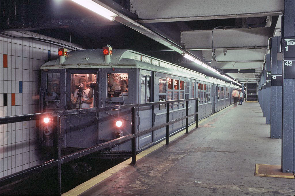 (322k, 1024x681)<br><b>Country:</b> United States<br><b>City:</b> New York<br><b>System:</b> New York City Transit<br><b>Line:</b> IRT Times Square-Grand Central Shuttle<br><b>Location:</b> Grand Central <br><b>Route:</b> Fan Trip<br><b>Car:</b> Low-V (Museum Train) 5443 <br><b>Photo by:</b> Glenn L. Rowe<br><b>Collection of:</b> Joe Testagrose<br><b>Date:</b> 9/8/1996<br><b>Viewed (this week/total):</b> 1 / 837